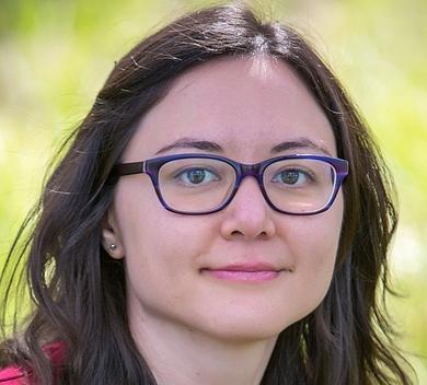 Nicole Petty headshot